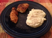 fried chicken and cauliflower mash